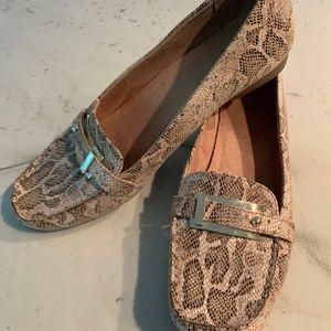 Snake skin loafer flat   Naturalizer